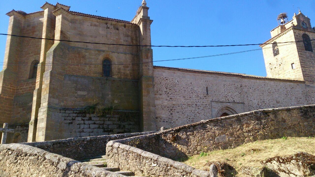 ayuntamiento-de-la-horcajada-ermita-04